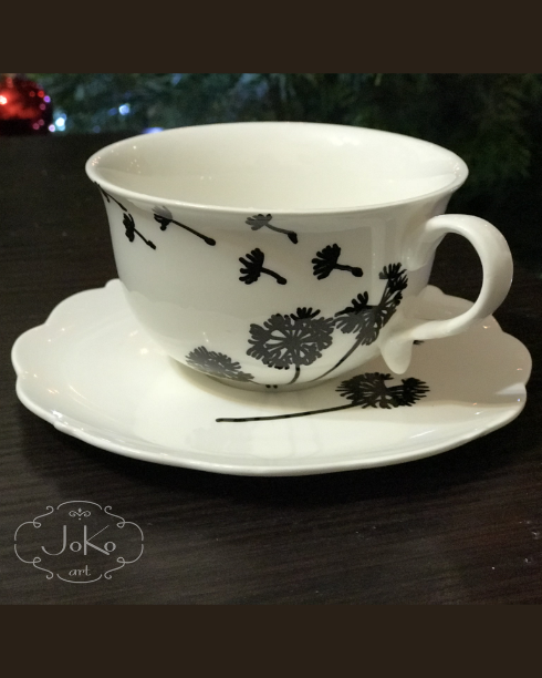 Filiżanka z dmuchawcami (Cup with dandelions) 12/2017