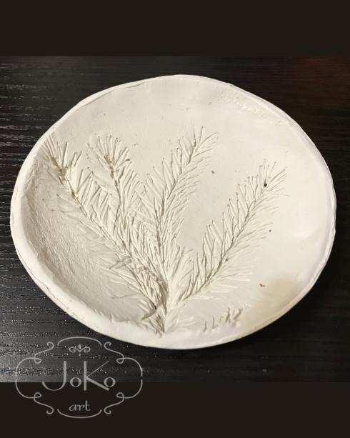 Półmisek z gałązką sosnową ( Platter with a pine branch) 12/2017