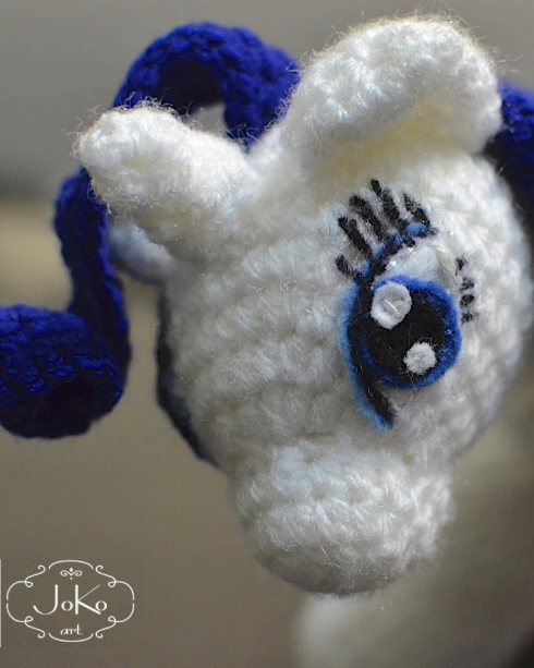 My Little Pony (Rarity cuddly toy) 01/2015