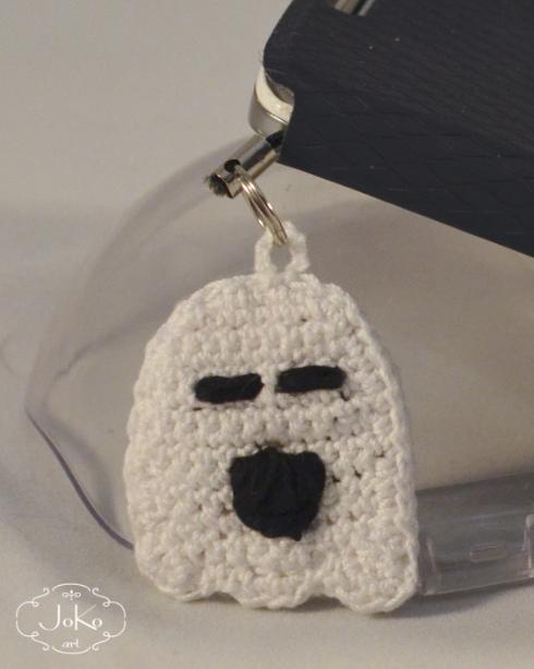 Duszek zawieszka do telefonu (label crochet ghost) 05/2016