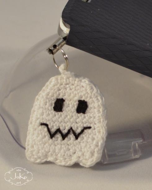 Duszek zawieszka do telefonu (label crochet ghost) 04/2016