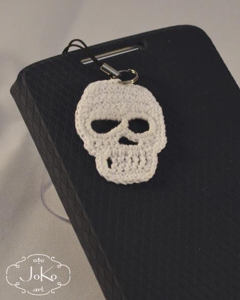 Zawieszka czaszka (crochet scull label) 06/2016